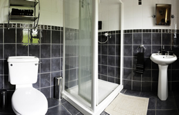 Ensuite at Drumcorroy Farmhouse